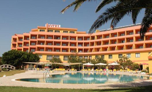 Hotel mh atlantico golfe peniche centro de portugal for Hoteis zona centro com piscina interior
